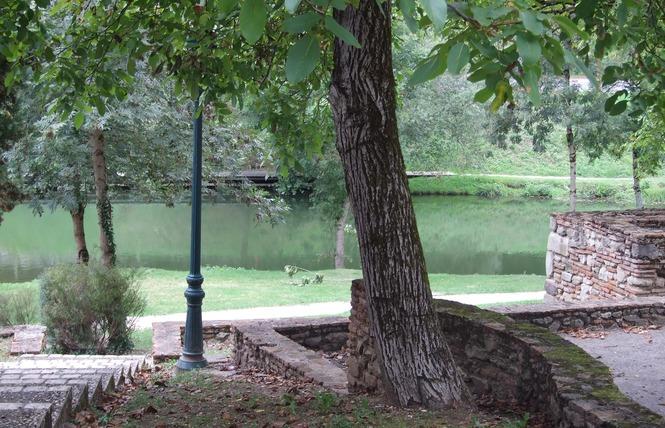 Visite du village médiéval de Casseneuil 2 - Casseneuil